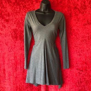 CAbi V-Neck Gray Long Sleeve Tunic Shirt, Size Sm